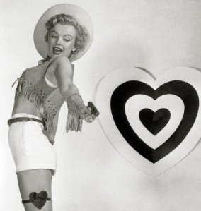 vintage-valentine-pin-up-cow-girl-with-gun